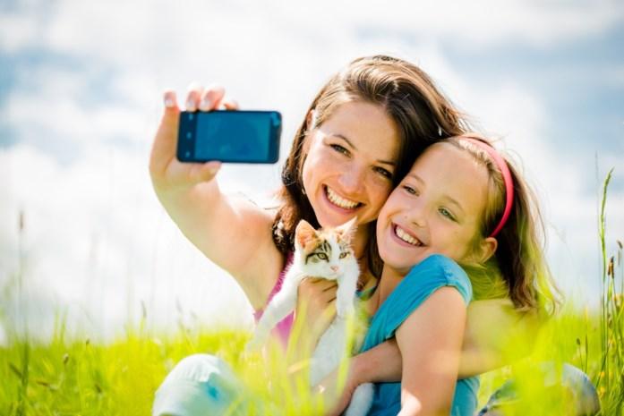 Waarom we als ouder beter geen foto's van onze kinderen online plaatsen