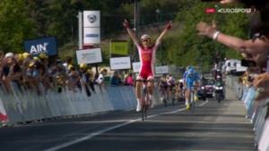 Jury declasseert ritwinnaar voor verkeerd aansnijden van rotonde in Ronde van de Ain