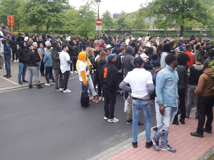 Mars voor overleden Lamine lokt 350 deelnemers, heethoofden richten na afloop vernielingen aan