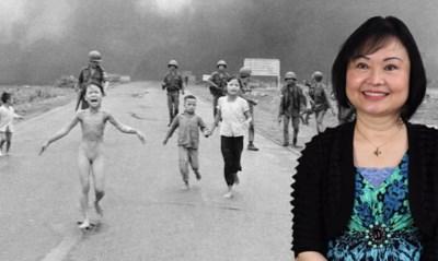 """Meisje meest gruwelijke foto aller tijden schrijft na 45 jaar haar leven neer: """"Ik werd tot op mijn botten verzengd"""""""