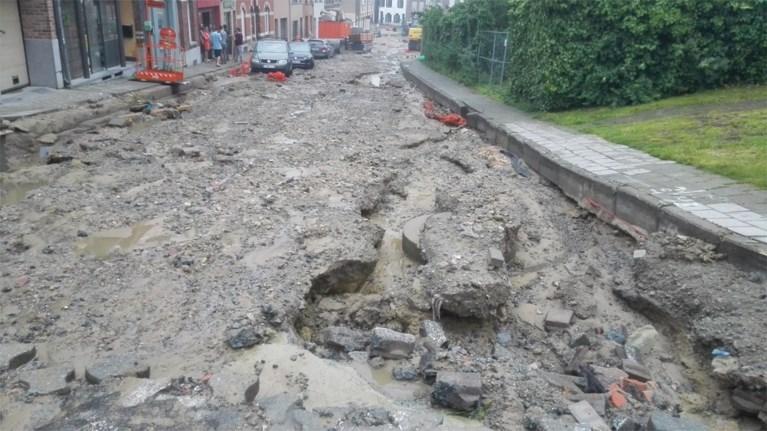 Wolkbreuk sleurt modder van werkzaamheden mee naar het centrum
