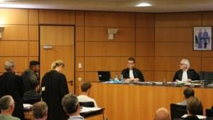 """Rechter D'Hondt tegen deelnemers 'trouwstoet' E17: """"Zet desnoods emmer op je hoofd als je wil feesten, maar laat openbare weg voor wat ze is"""""""