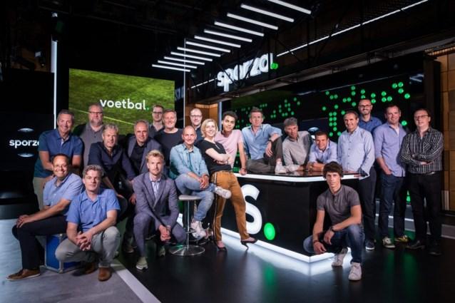 Opvallende foto van VRT-ploeg voor WK voetbal: zoek de vrouw