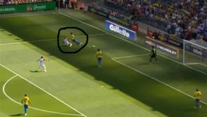 Thiago Silva pakt uit met indrukwekkende pirouette na harde tackle Kramaric