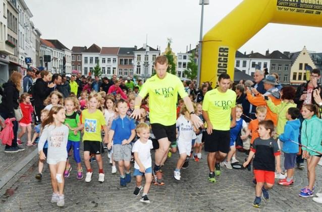 Kids openen KBO-run op Markt