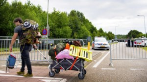 Bestuurder die festivalgangers Pinkpop van de weg reed en vluchtmisdrijf pleegde is aangehouden