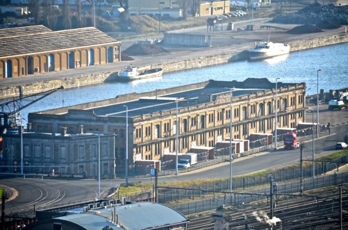 """Oostende brengt alle prostituees onder in één grote hangar, """"maar noem dit geen megabordeel"""""""