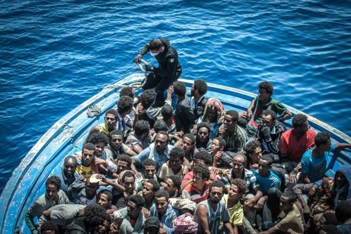 Zo denkt de Vlaming écht over vluchtelingen en migranten: De 'echte' willen we helpen, de andere niet