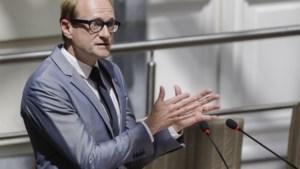 """Minister Weyts toont begrip voor De Lijn: """"SP.A heeft de organisatie helemaal naar de duvel geholpen"""""""