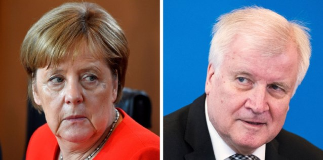 Merkel houdt spoedberaad met minister Seehofer