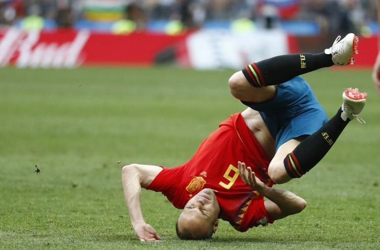 """Iniesta stopt als international na uitschakeling Spanje: """"Dit is niet het mooiste afscheid"""""""