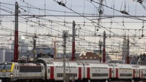 "Treinverkeer dinsdag zeer ernstig verstoord omwille van staking: ""Ongeveer één op drie treinen rijdt"""