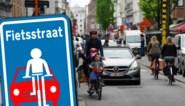 Eerste controles in Gentse fietsstraten: 45 boetes voor auto's die fiets inhalen