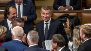 Tsjechische regering overleeft nipt tweede vertrouwensstemming, na dertien uur lang debat