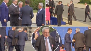 """Ophef over galadiner NAVO: commissievoorzitter Juncker lijkt """"stomdronken"""" tussen wereldleiders te strompelen"""