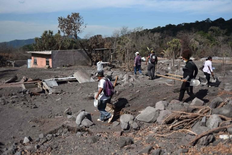 Autoriteiten bereiden zich voor op nieuwe eruptie vulkaan die al ruim 100 doden maakte