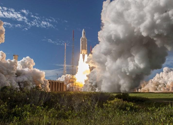 'Europese gps' krijgt vorm: Ariane-raket met vier Galileo-satellieten met succes gelanceerd