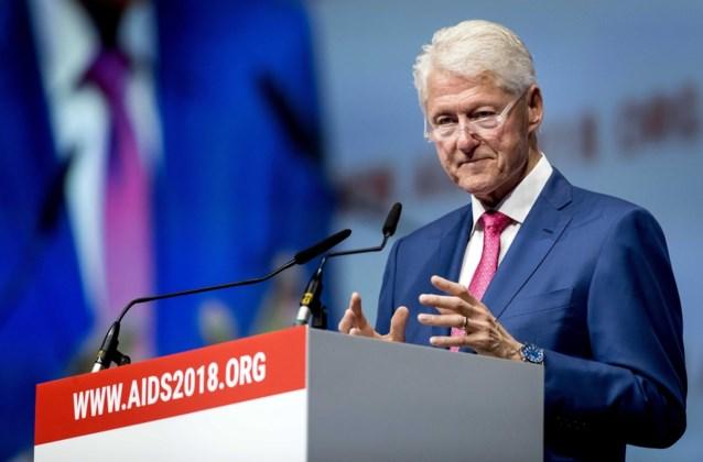 """""""Strijd tegen aids is nog lang niet gestreden"""", zegt Bill Clinton tijdens slot van conferentie in Amsterdam"""