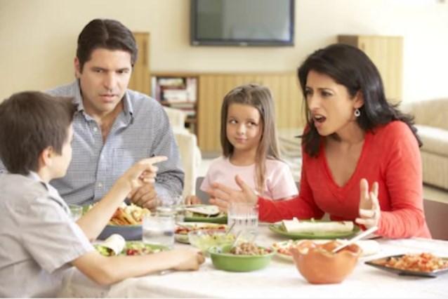 Bord leegeten, kamer opruimen, huiswerk maken: gezinnen maken gemiddeld zes keer ruzie per dag