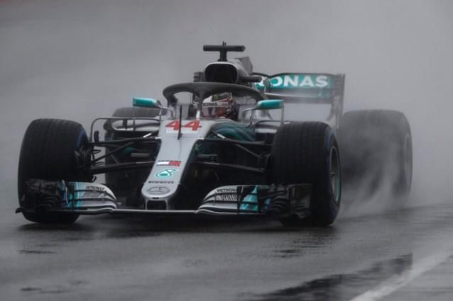 Hamilton verovert pole in de regen, Vandoorne zestiende in Hongarije