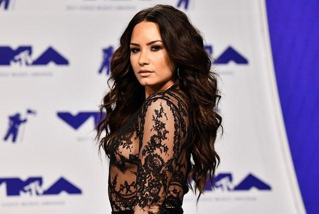 """Demi Lovato """"aan de beterhand"""" dankzij bezoek uit onverwachte hoek"""