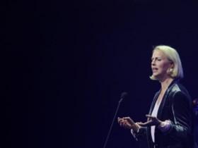 """Bekende operazangeres doorbreekt maanden na zelfmoord van haar man de stilte: """"#MeToo heeft Benny gekraakt"""""""