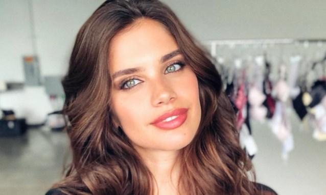 Victoria's Secret-model openhartig over haar psychische aandoening