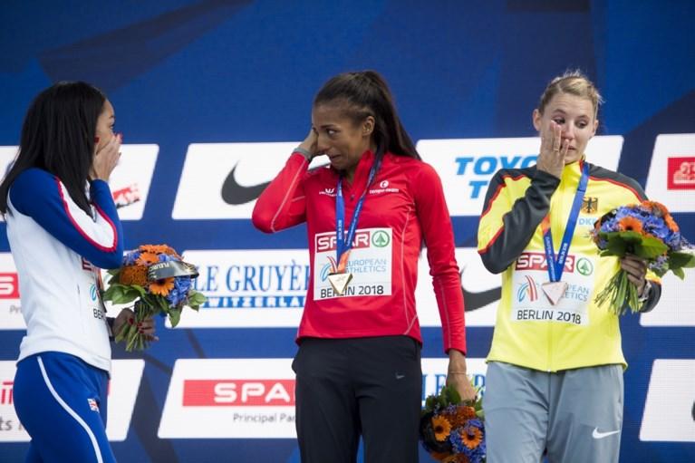 Emotionele ontlading bij kampioene: Thiam in tranen bij uitreiking gouden medaille
