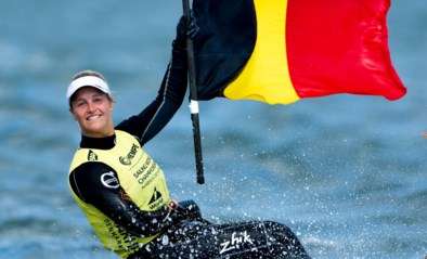 Voorgoed uit de schaduw van Evi van Acker: Emma Plasschaert, de nieuwe wereldkampioene zeilen