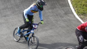 EK GLASGOW. Medaillekandidaat Vanhoof sneuvelt in halve finales BMX, Belgische mannen out ondanks steun van Stig Broeckx