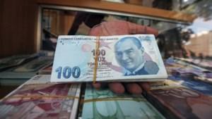 Wat betekent crash van lira voor mensen die naar Turkije reizen?