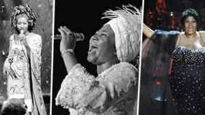 """De grootste en bekendste hits van Aretha Franklin: van covertjes tot """"de grootste invalbeurt aller tijden"""" en Obama in tranen"""
