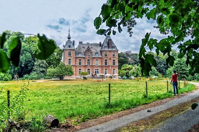 """Onze man ging kijken wie er in dit kasteel aan de Demer woont: """"Eigenlijk was ik op zoek naar een studentenkot"""""""