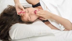 Heb je echt 8 uur slaap nodig? Is snoozen slecht en zijn dutjes goed? De waarheid over slapen