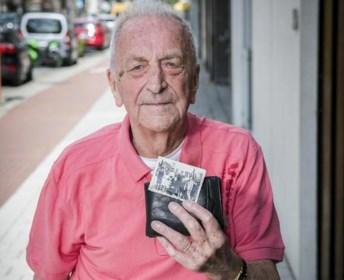 """Jozef (94) bewaart familiefoto van 75 jaar oud: """"Tijdens de oorlog heb ik vaak tegen die foto gepraat. Ik vond er steun in"""""""