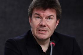 """Sven Gatz na vrouwonvriendelijke uitspraken tijdens eredienst op Eén: """"Schaf die uitzendingen af"""""""