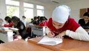 """Zeven Gentse stadsscholen laten dit schooljaar de hoofddoek toe: """"Een logische beslissing"""""""