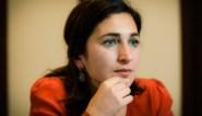 """""""Hoofddoek hoort niet thuis op school"""": Zuhal Demir wil dat volgende regering verbod invoert"""