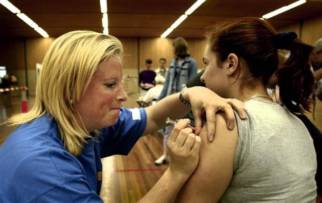 Aantal doden door meningokokken stijgt in Nederland, maar geen maatregelen in Vlaanderen