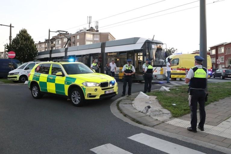 Vrouw zwaargewond na aanrijding door tram in Deurne