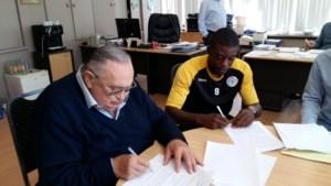 Lokeren rondt verrassende transfer af en geeft Geoffrey Mujangi Bia een kans