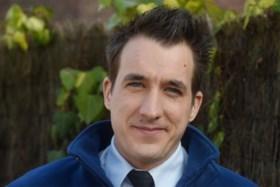 Andy Peelman uit 'De Buurtpolitie' met spoed afgevoerd naar ziekenhuis