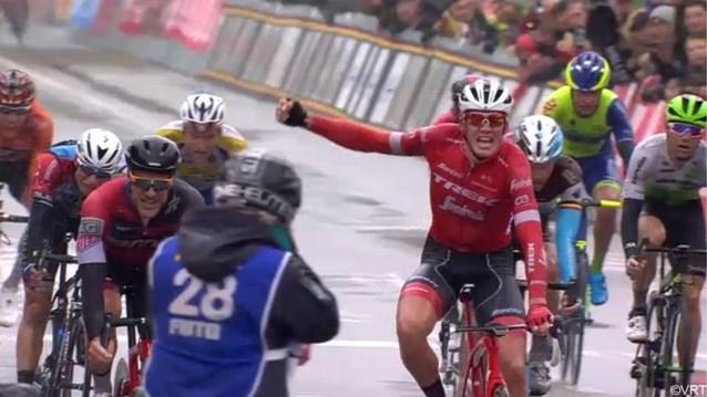 Late aanval Benoot strandt in zicht van de meet, Deens toptalent wint uitgeregende Eurométropole Tour