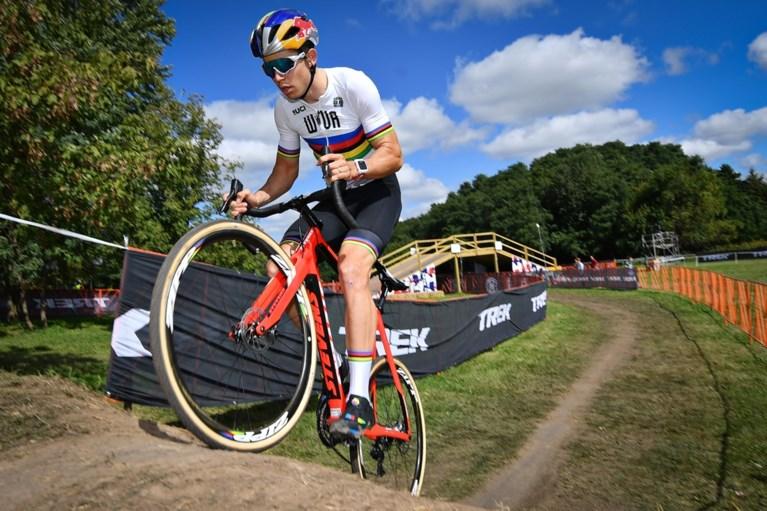 Sterke Toon Aerts verrast wereldkampioen Van Aert in WB-cross in Waterloo