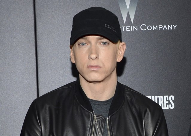 Eminem beschuldigt bekende rapper van moord op Tupac, maar dreigt zich dat te beklagen