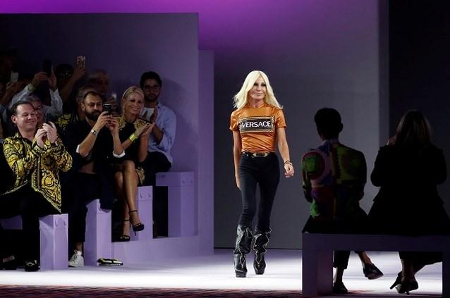 De kogel is door de kerk: Versace komt in handen van Michael Kors