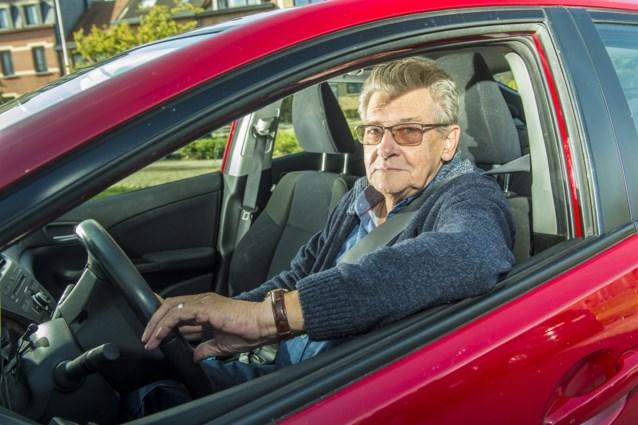 """Bent u 70 jaar? """"Sorry, dan krijgt u geen autoverzekering"""""""
