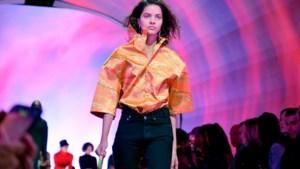 Balenciaga ruilt streetwear in voor fijne snit en brede schouders