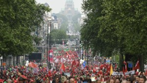 Manifestaties tegen pensioenregeling: maar 4.000 betogers in Brussel, 15.000 in Antwerpen