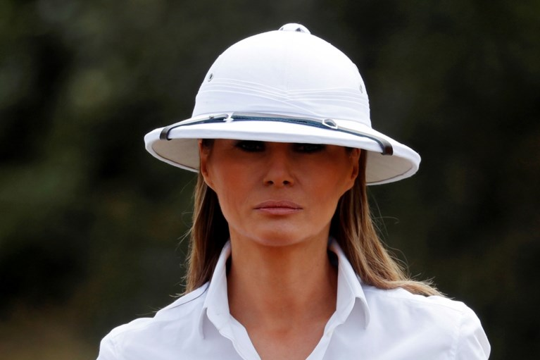 """Melania Trump onder vuur door haar helm: """"Ze begrijpt er niets van"""""""